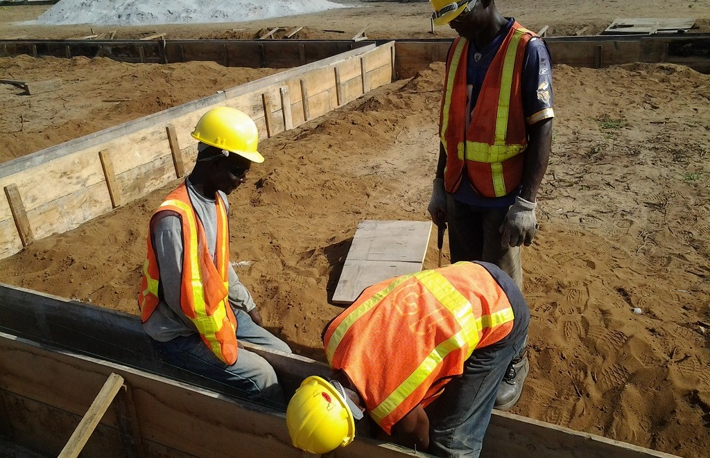 image: fitting foundation formwork