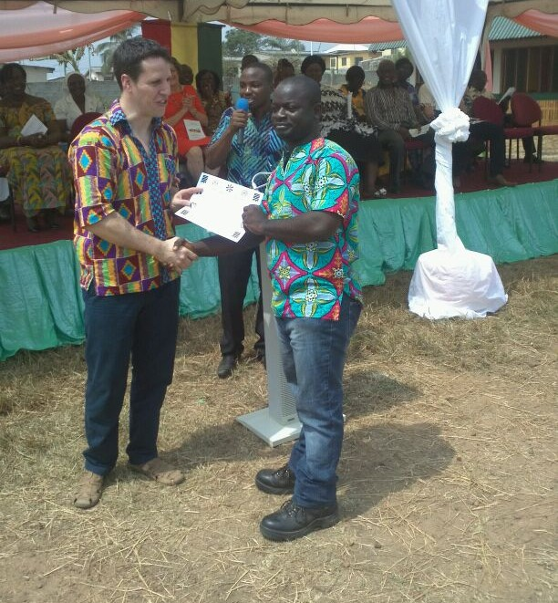 Presentation of certificates to the BBS team